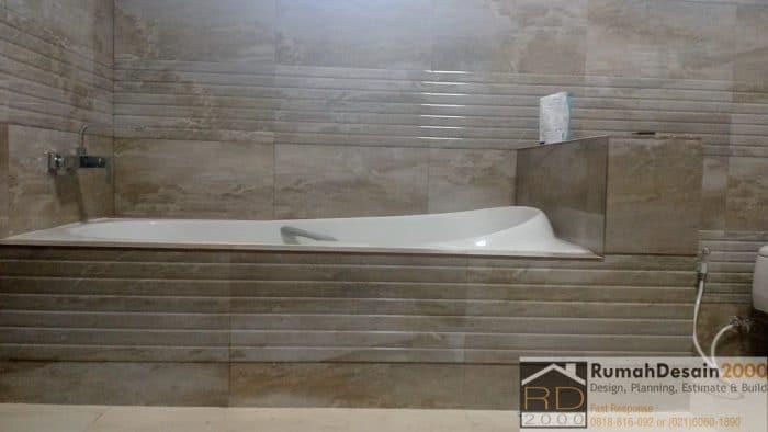 Pemasangan-bath-up-renovasi-rumah-perumnas-klender