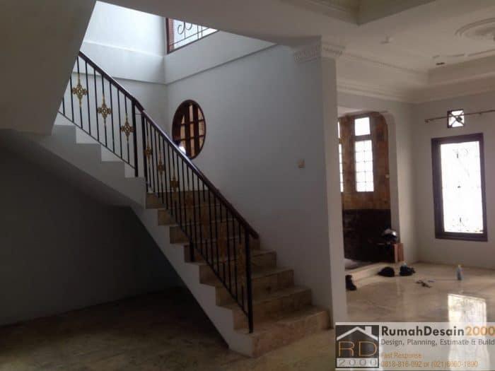 Tampak-tangga-renovasi-rumah-asem-baris